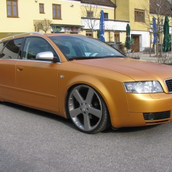 Audi gold